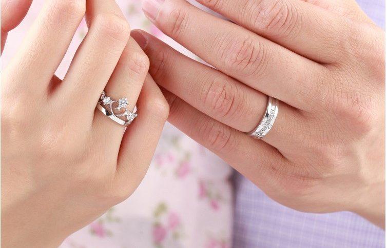 Як правильно вибрати обручки  поширені прикмети і як носити після весілля 161c2ea89d4dc